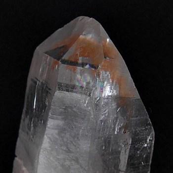 ヒマラヤ産水晶原石ポイント・タビー・レインボー